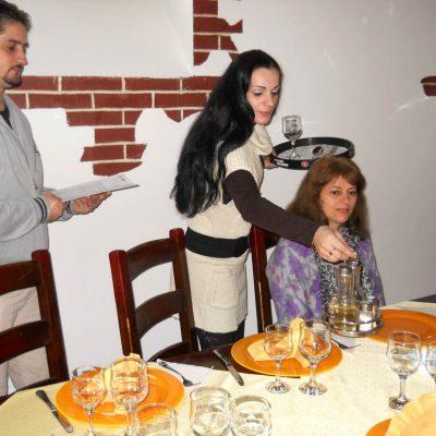 Cursuri calificare gratuite sau cu plata Ospatar (chelner) vanzator in unitati de alimentatie (33)