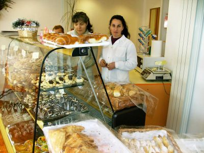 Cursuri calificare gratuite sau cu plata Lucrator in comert (35)
